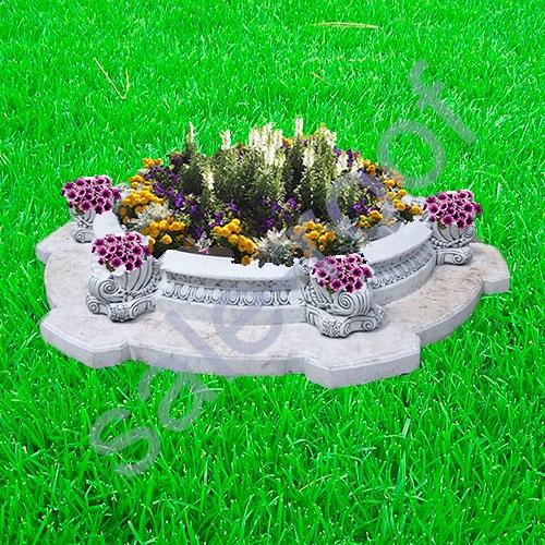 Украшение садового участка вазонами из бетона